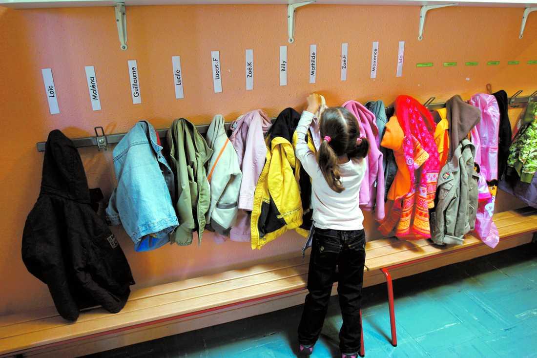 Ο τρίτος δρόμος της Σουηδίας: Διώχνουν τα παιδιά των ανέργων από τους παιδικούς σταθμούς και τα νηπιαγωγεία
