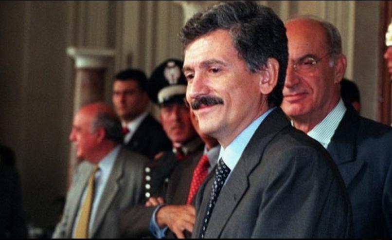 Massimo DAlema 1999 bombarda