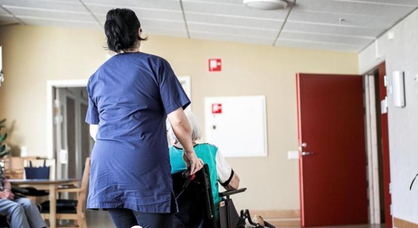 """Σουηδία: """"Βάζουν στην ηλεκτρική καρέκλα τους ηλικιωμένους στα Γηροκομεία"""""""
