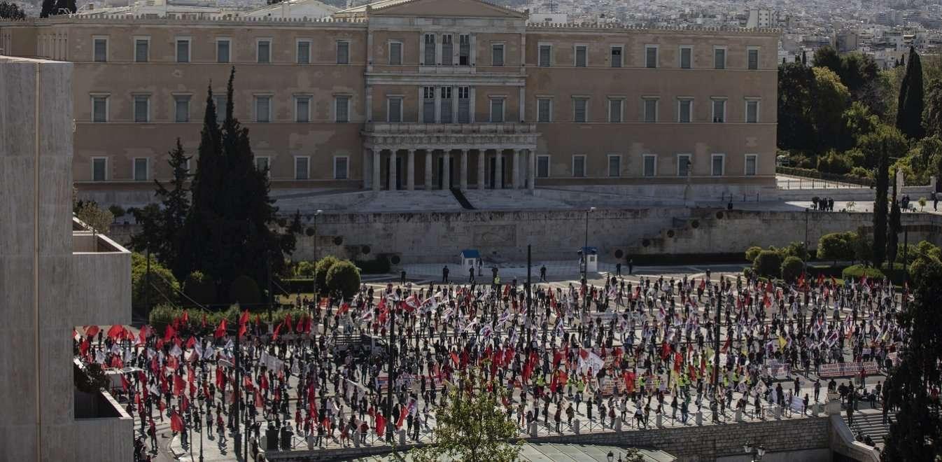 Κατατέθηκε το νομοσχέδιο για τον περιορισμό των διαδηλώσεων - ΠΑΜΕ: Οι εργαζόμενοι θα τον ματαιώσουν στην πράξη