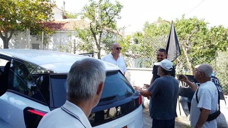 Τραμπουκισμοί και ύβρεις Μπέου απέναντι στους κατοίκους των Σταγιατών: «15 μαλάκες είστε...» (VIDEO)