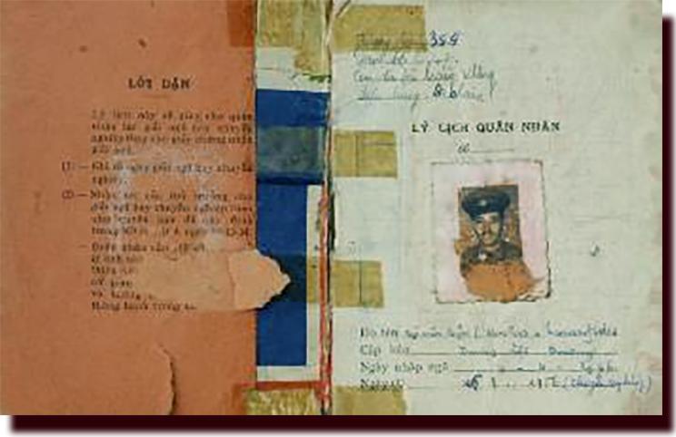 Κώστας Σαραντίδης Νγκουιέν Βαν Λαπ ο έλληνας VIETμίνχ στρατιωτικό βιβλιάριο