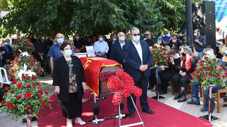Βαγγέλης Μπούτας: Σε κλίμα συγκίνησης το στερνό «αντίο» στον στρατηγό του κάμπου
