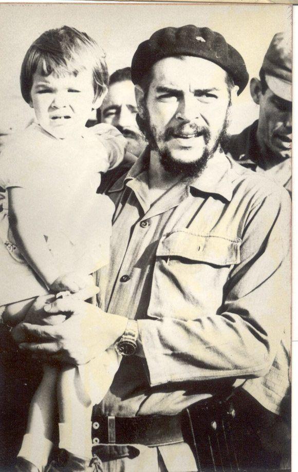Aleida Guevara March Che y Aleidita mayo 1964