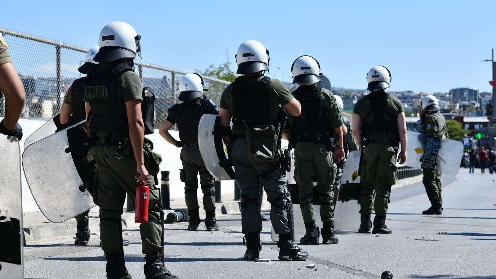 mat-mea Η κυβέρνηση έπνιξε με χημικά τη διαδήλωση των μαθητών2