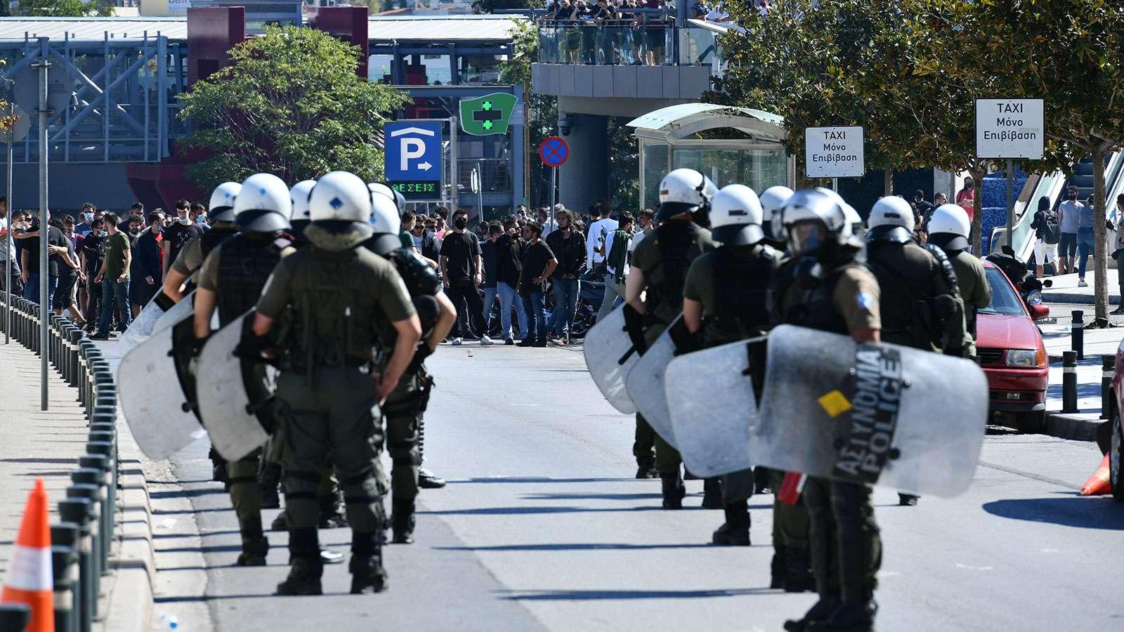 mathites kinitopoiisi mat Η κυβέρνηση έπνιξε με χημικά τη διαδήλωση