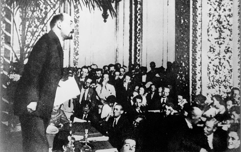 Λένιν στο βήμα του 3ου Συνεδρίου της Γ Διεθνούς