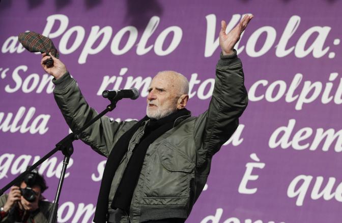 "Monicelli piazza popolo ""viola-day"" 27-2-2010 γωτο Ansa"