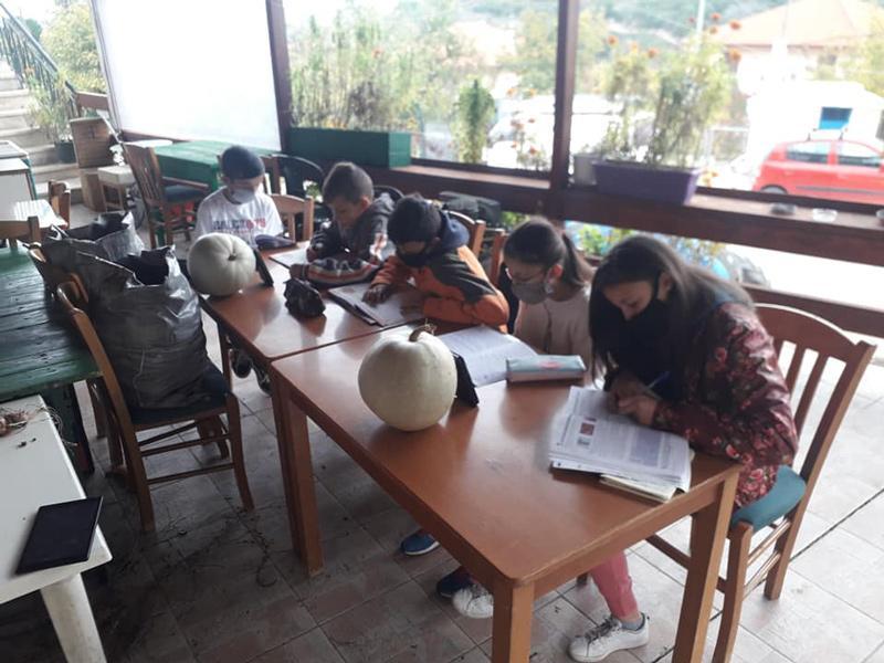 Αθλια η πολιτική τους, αθλιότερος ο λόγος τους – Η ευθύνη στον καφετζή και κοινοτάρχη για τις εικόνες στο Πεύκη!!!