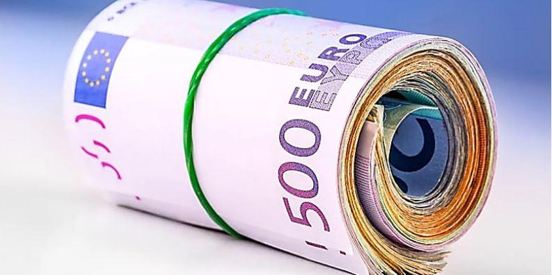 Money-soldi-χρήμα