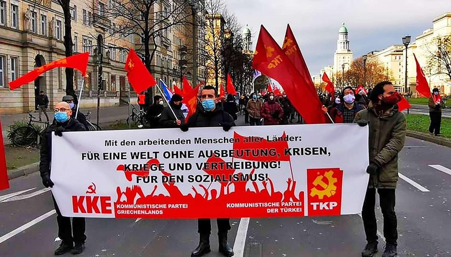 Berlin KKE Fűr eine welt ohne ausbeutung krisen kriege und vertreinbung Fűr den sozialismus