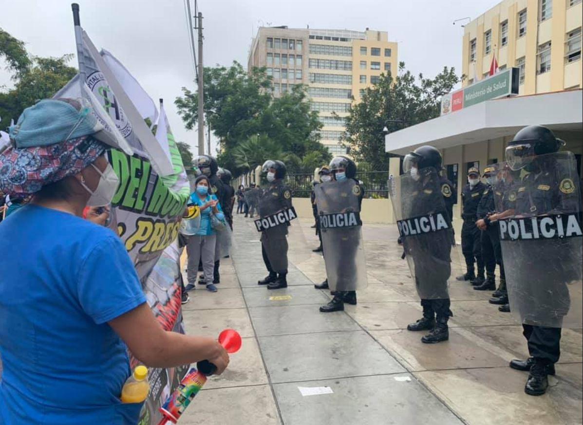 Perú Médicos continúan en huelga indefinida 20 1 2021