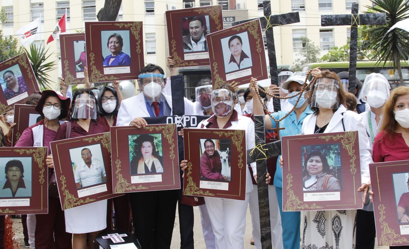 Peru Στη μνήμη των νεκρών του Covid