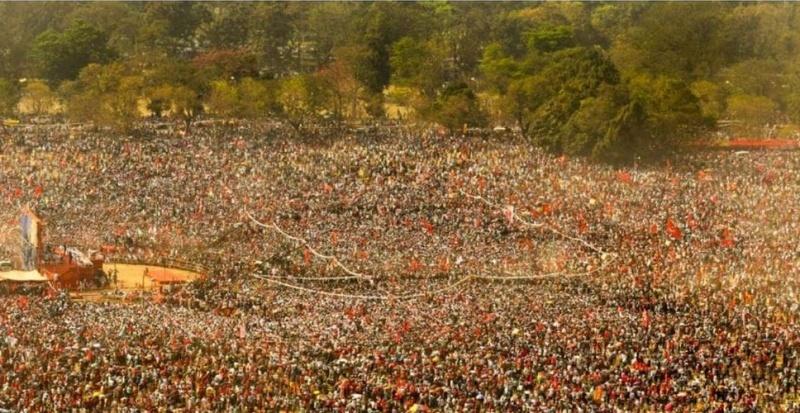 Πάνω από 1 εκατομμύριο κόσμος σε συγκέντρωση του Κομμουνιστικού Κόμματος Ινδίας στην Καλκούτα