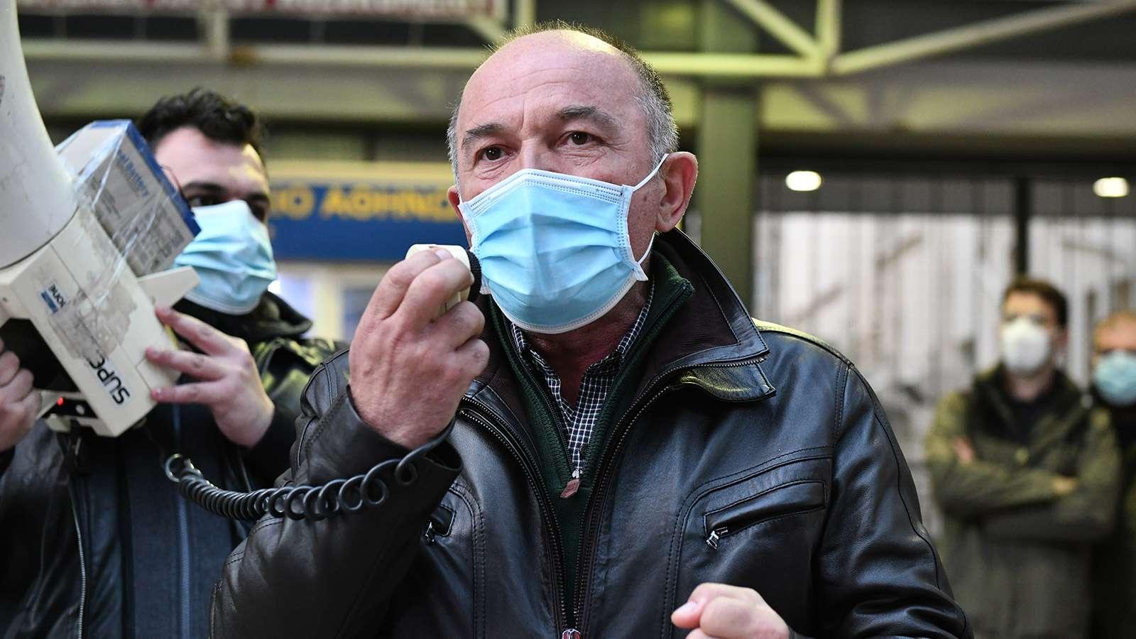 Τάσος Αντωνόπουλος, πρόεδρο του Σωματείου Εργαζομένων στο Λαϊκό Νοσοκομείο