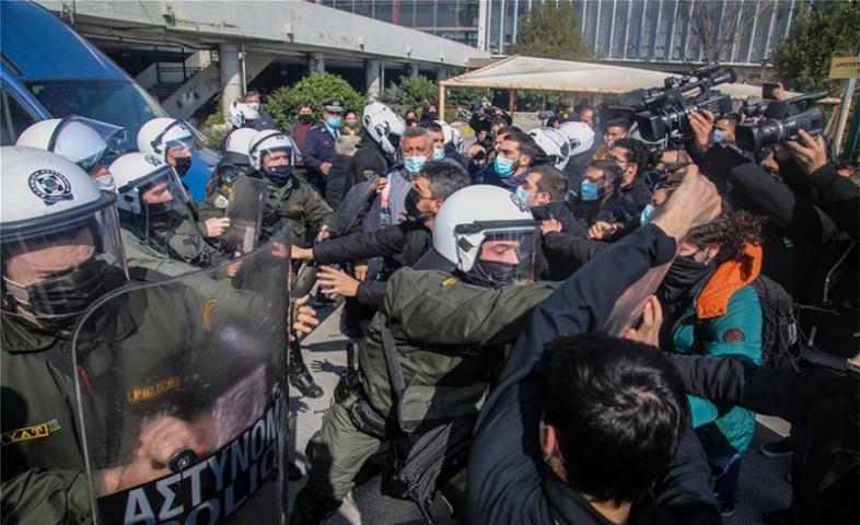224 καθηγητές πανεπιστημίου υπέρ της αστυνομοκρατίας στα πανεπιστήμια — Στηρίζουν τον πρύτανη του ΑΠΘ