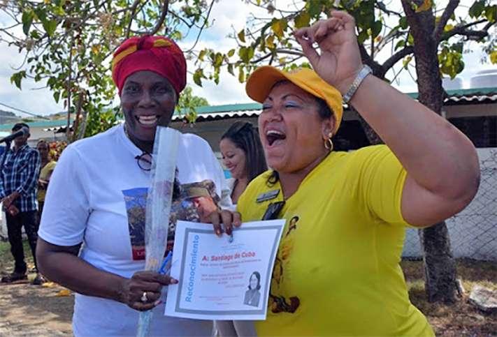 mujeres cubanas premio