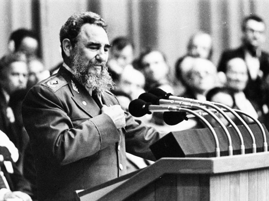 Fidel Castro en el 3er Congreso del PCC