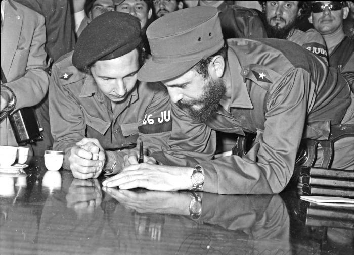 Tres claves que sostienen ese fabuloso instrumento político que es el PCC unidad ejemplo sacrificio