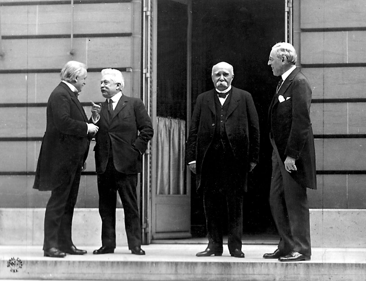 Big four Το Συμβούλιο των Τεσσάρων στη σύνοδο ειρήνης Λόιντ Τζορτζ Βιττόριο Ορλάντο Ζωρζ Κλεμανσώ Γούντροου Ουίλσον