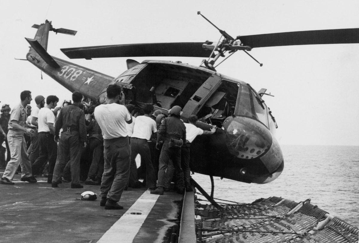 Copter USA Vietnam 1977