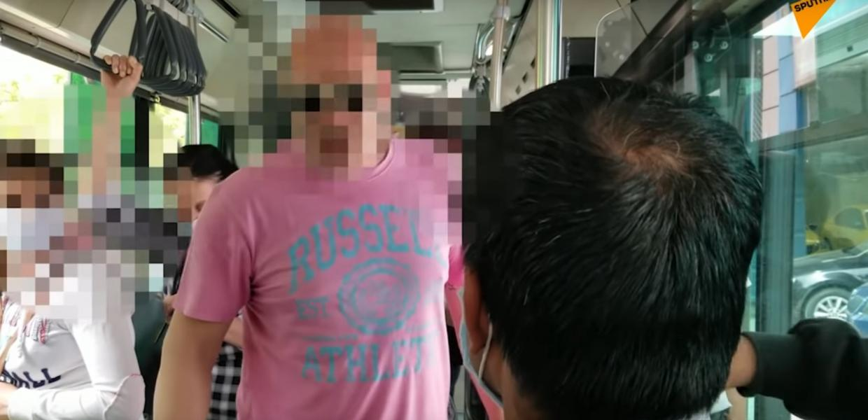 Πλημμύρισε το λεωφορείο ρατσιστικό δηλητήριο και δεν αντέδρασε κανείς... «Σιχαίνομαι να κάτσω»