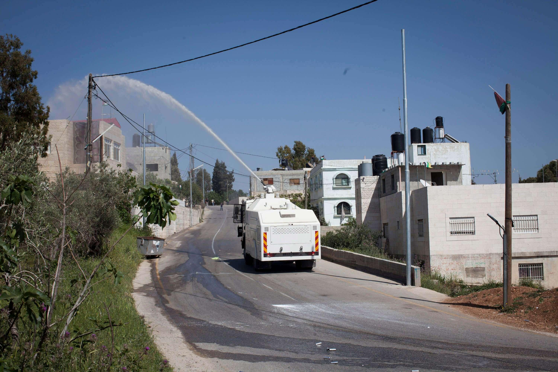 Οι «βόμβες σκατών» το νέο όπλο τιμωρίας των παλαιστινίων