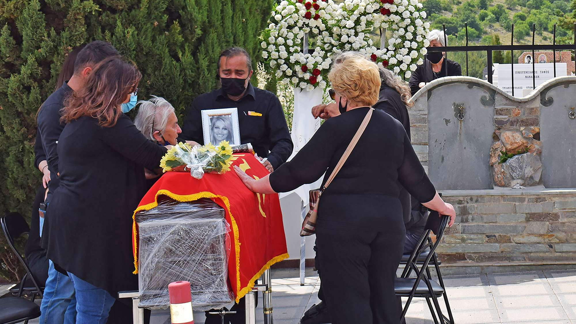 Τελευταίος αποχαιρετισμός στη συντρόφισσα Σοφία Αδαμίδου