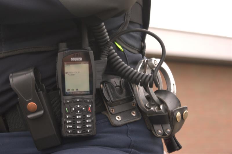 Αστυνομικός νοίκιαζε 2.000 ευρώ το μήνα υπηρεσιακό ασύρματο σε διαρρήκτες (Δεν είναι η μόνη περίπτωση)