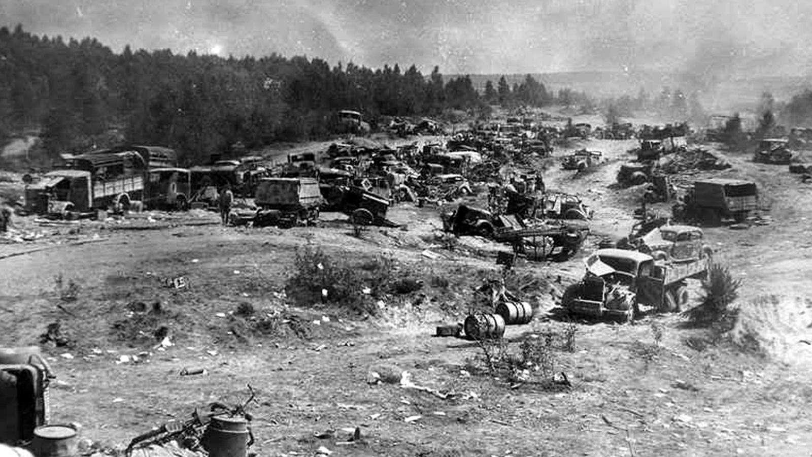 Απομεινάρια της Ομάδας Στρατιών «Κέντρο» abandoned german vehicles belarus
