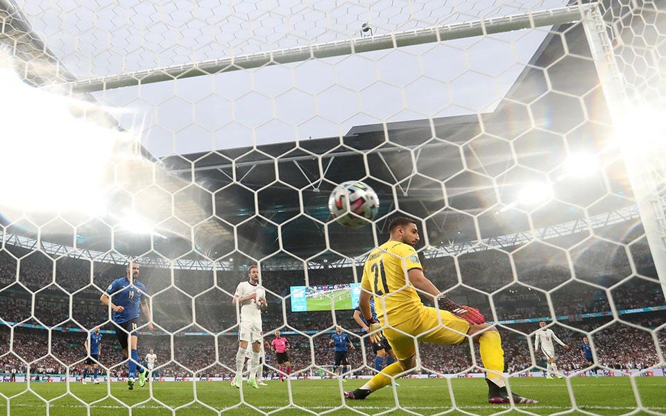 EURO 2020 final gool 1