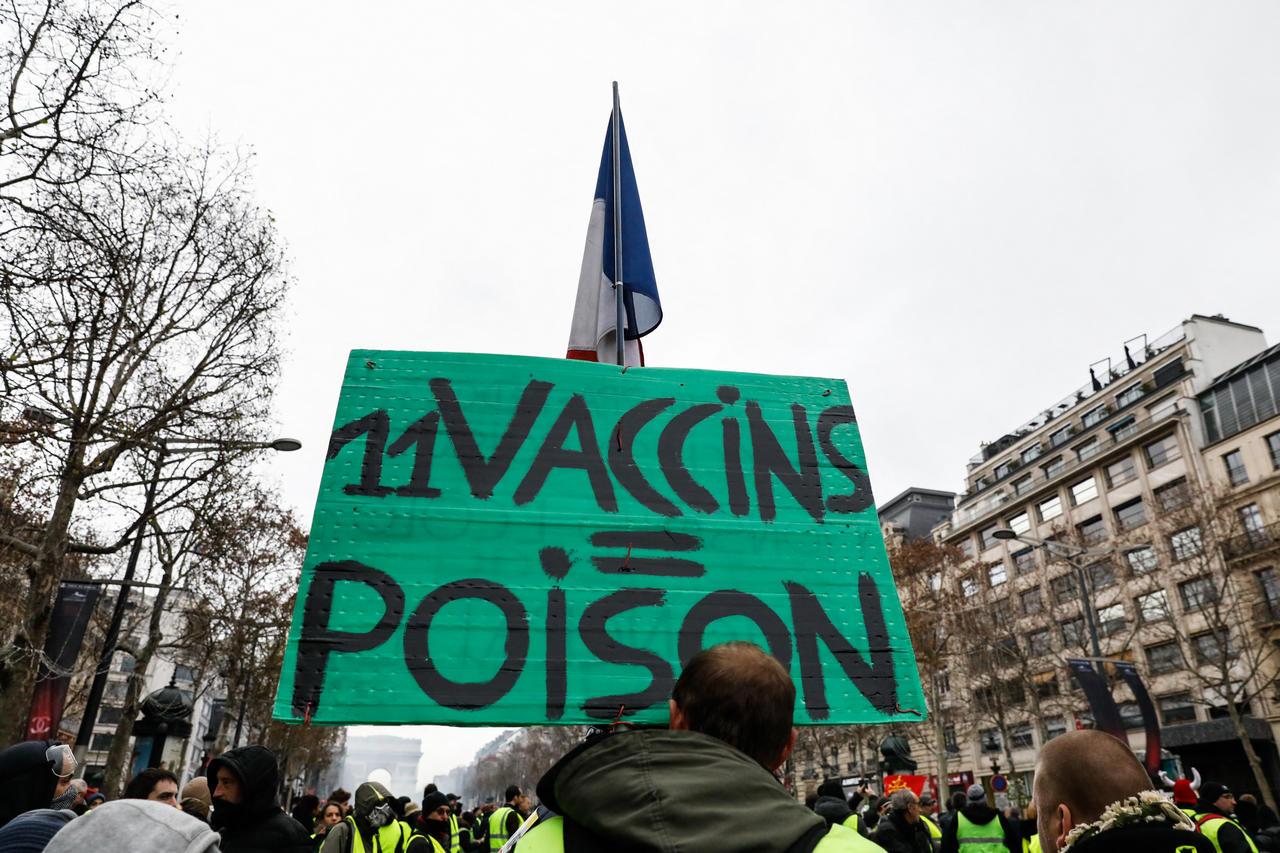 """Manifestations anti vaccin en France """"Αντιεμβολιαστές"""" στη Γαλλία"""