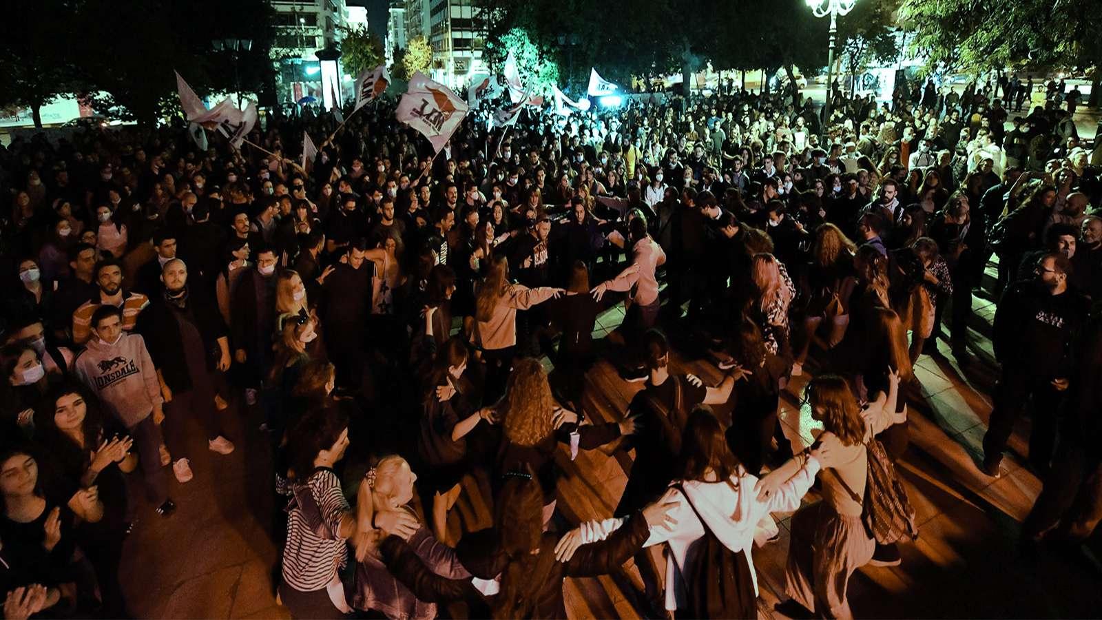 Αντιφασιστική Συναυλία στο Σύνταγμα «Δεν ξεχνάμε Το φασισμό και το σύστημα που τον γεννά πολεμάμε»
